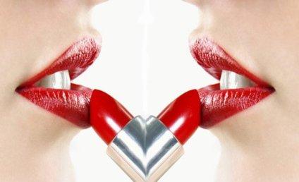 Seni melukis diatas bibir